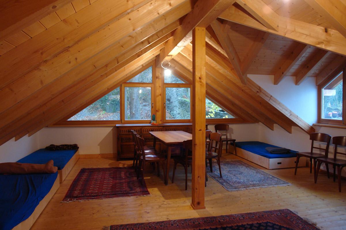 Dachzimmer  jugendburg balduinstein - dachzimmer